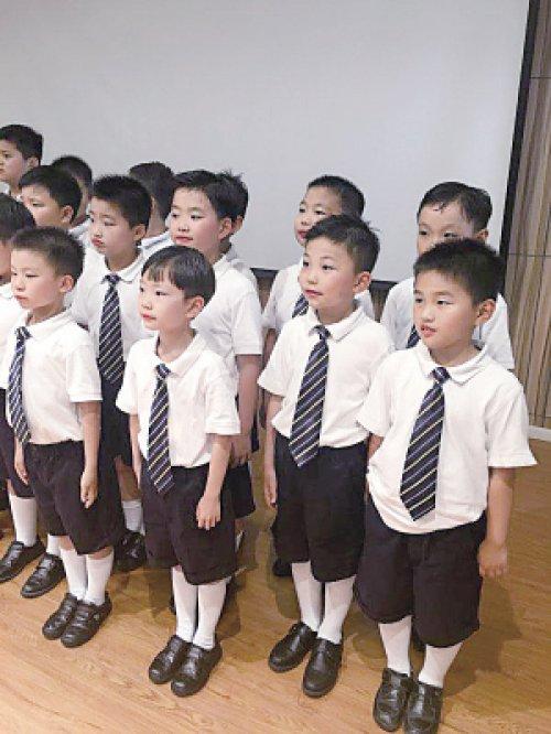 成都校服定做-小学校服的款式介绍