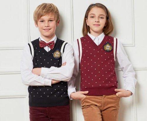 <b>四川校服厂建议大家校服定做选择含棉织物的校服</b>