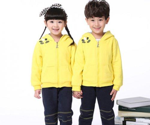 <b>校园校服通常定制的四款学生校服</b>