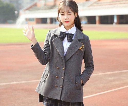 <b>英伦风格定制校服当代流行的时尚元素</b>